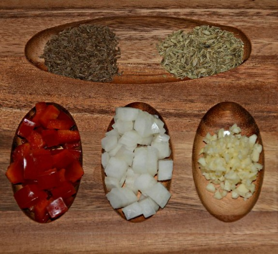 Flavor profile (top right, clockwise): fennel seeds, garlic, onion, red bell pepper, caraway seeds