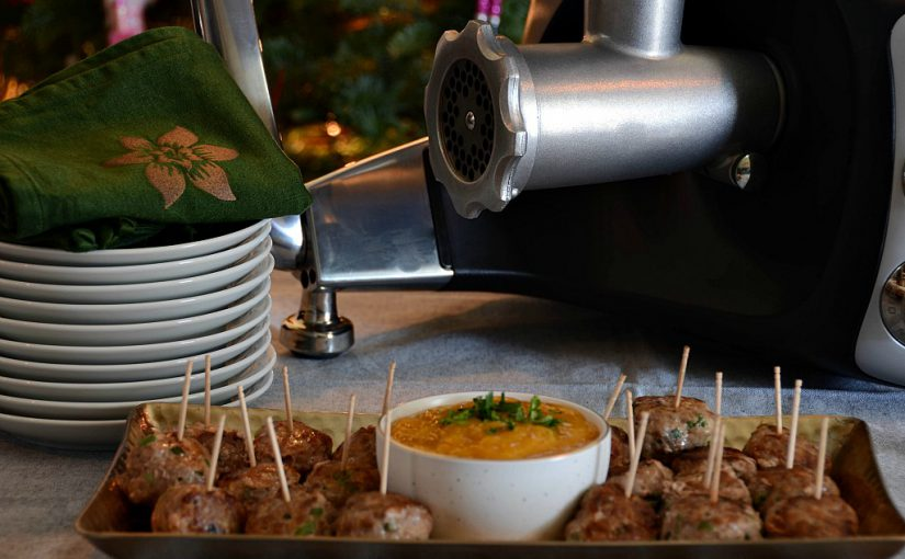 Garlic Ginger Meatballs with Mango Dipping Sauce